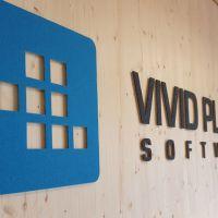3d-logo-filz-auf-holz-vivid-planet