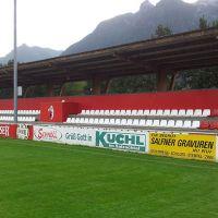 beschriftung-fussballplatz-werbung-beschilderung