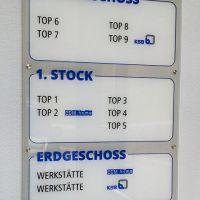schild-acryl-stockwerksbeschriftung-etagen-leitsystem