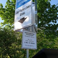 hinweistafel-parkplatz-freistehend-bluntau